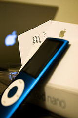 image-of-blue-ipod-courtesy-of-mountainbread
