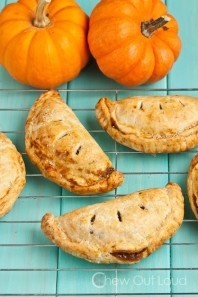 Image of pumpkin pasties courtesy of chewoutloud.com