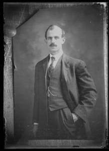 Portrait of man believed to be Walter F. Piper ca 1910