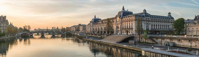 Photo of Musee d'Orsay and Pont Royal